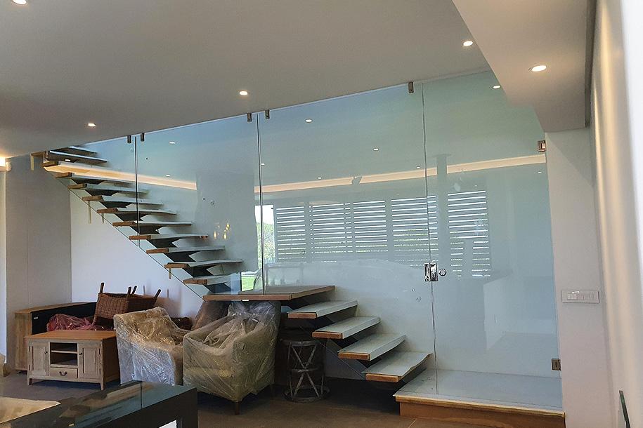 Frameless Glass, Balustrades & Showers